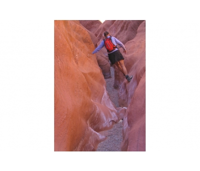Jo Deurbrouck in slot canyon